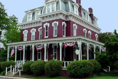 Lovelace Manor Bed and Breakfast - Lancaster - Bed & Breakfast
