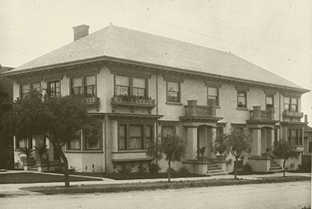 A piece of history - the building as it looked in 1911!