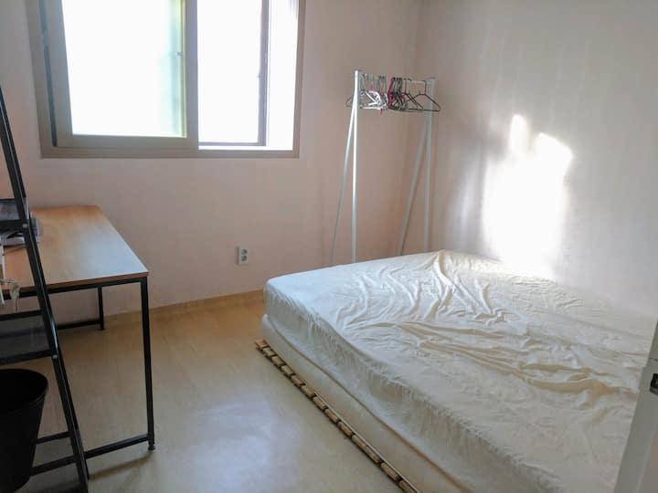 Kim's Community House♥ H4(3BR) R2 ֎ private room