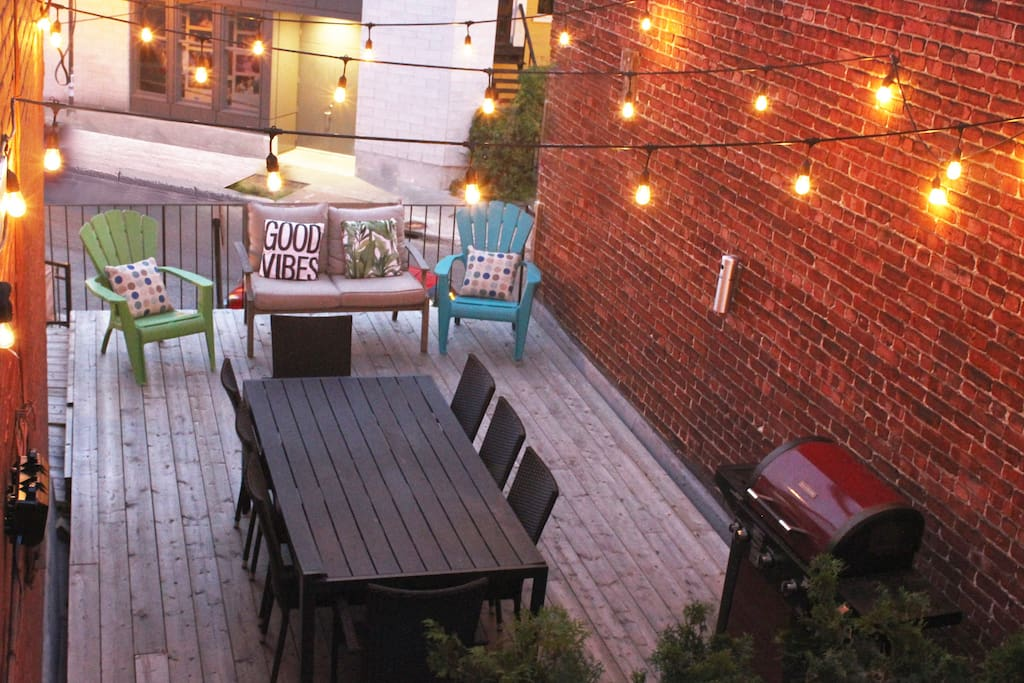 Patio by dawn, BBQ with gas provided