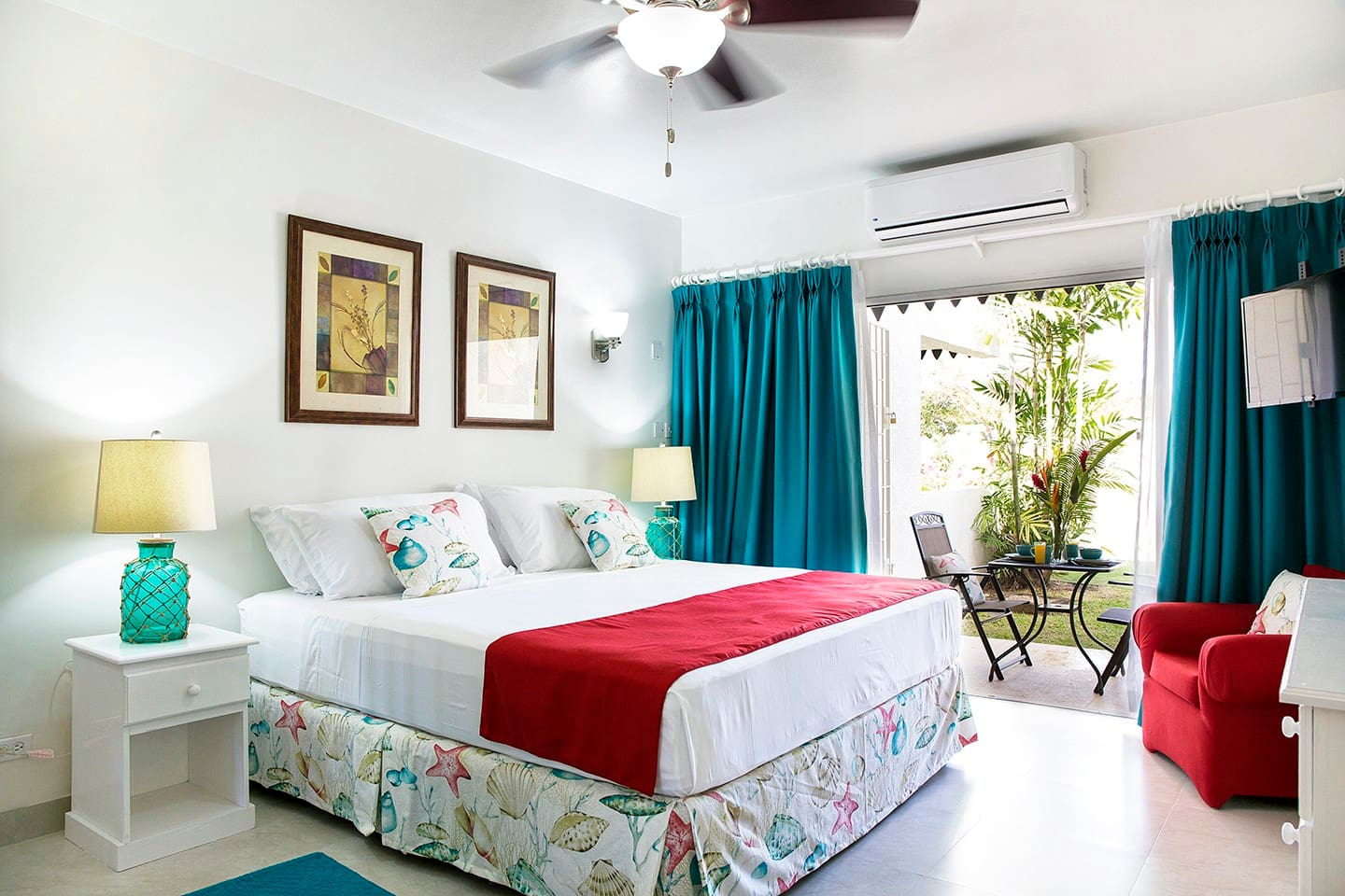 Bedroom - bright and refreshing
