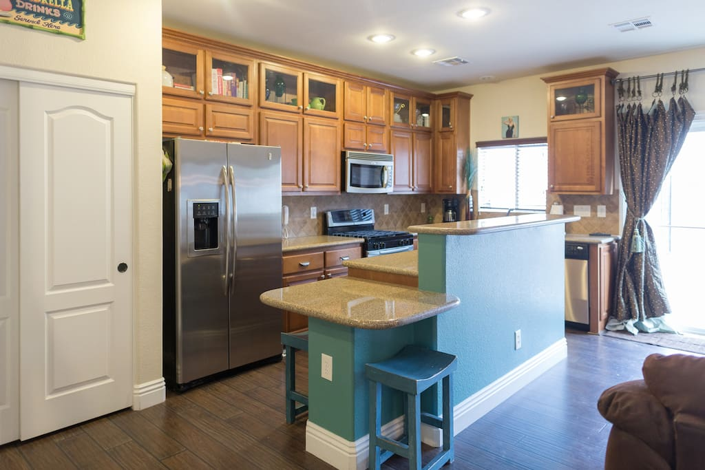 Fully equipped Kitchen and Stainless Steel appliances.
