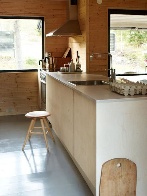 Open style kitchen for a great hang out
