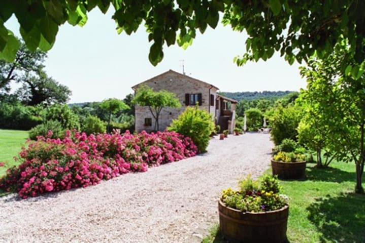 "Casa in Campagna ""Le Querce"""