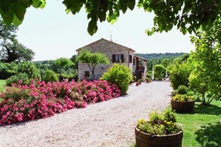 """Casa in Campagna """"Le Querce"""" - Urbisaglia"""