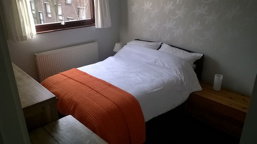 *Double room* Car Parking *Zone 2*