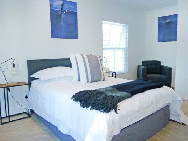 Houghton Estate B&B Upmarket and Affordable