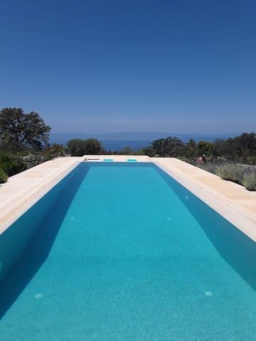 Luxurious Cottage at the Villa Aloni
