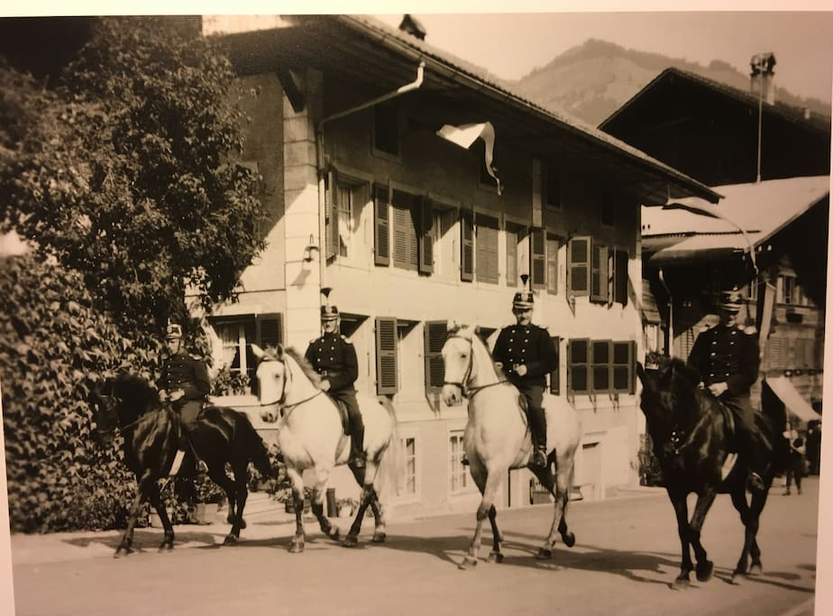 Swiss vYntage History 1948: Procession, Stofer family entrance to Erlenbach from Neuenkirch, Canton of Lucerne.