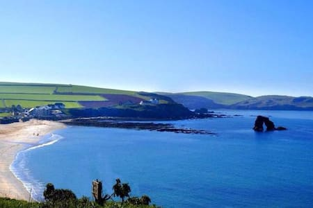 Beautiful cottage near the sea - Bantham - House