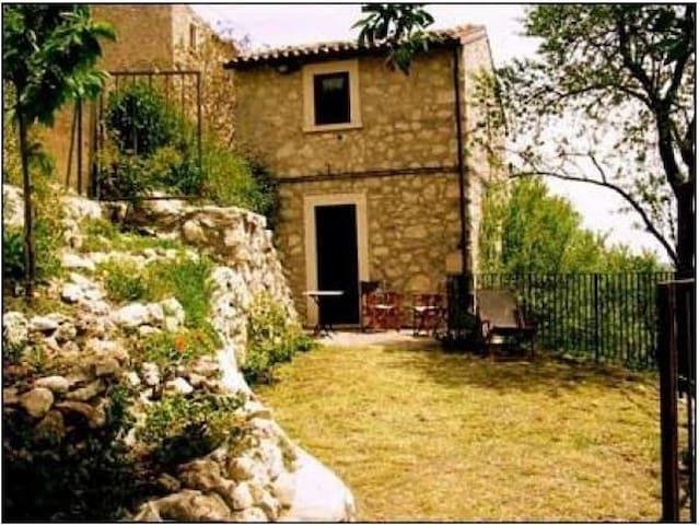 Rocca Calascio - apt 1 - Calascio - Haus