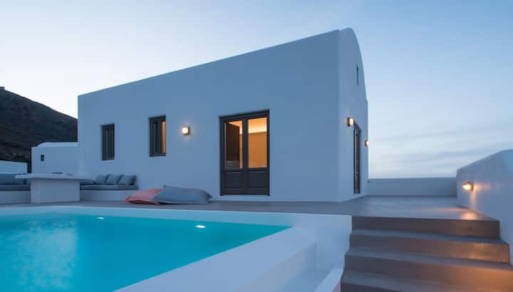 R485 Deluxe Suite with Private Pool and Sea View Breakfast Inc.