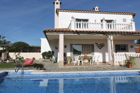 3 Bedrooms Home in Montroig del Camp - Montroig del Camp