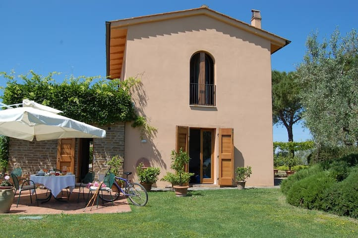 Amazing villa in Tuscany. Private inside pool. - Montespertoli - Apartemen
