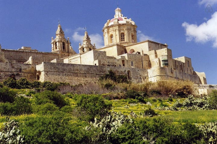 3Bedroom TownHouse in Mdina's Heart - Mdina