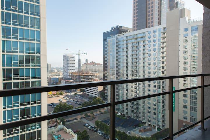 Sky Loft Penthouse in Downtown San Diego!!