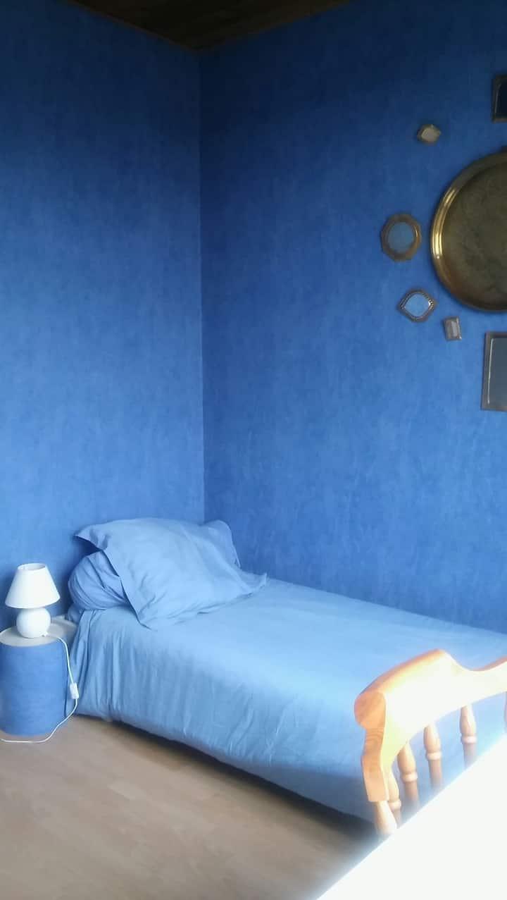 BLUE ROOM - CHAMBRE BLEUE