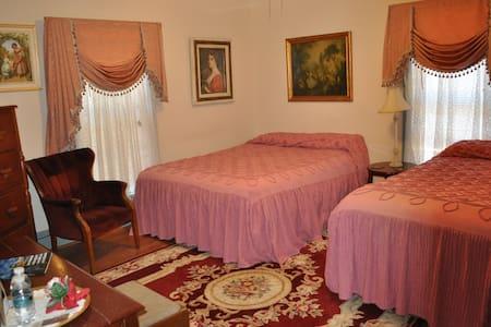 The Gabriel & Evangeline Suite - St. Marys - Szoba reggelivel