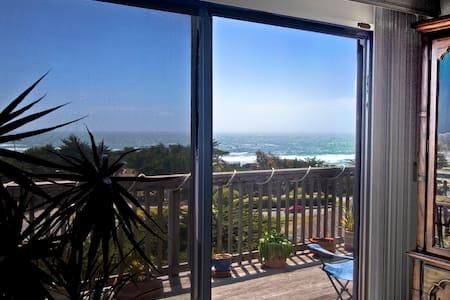 Ocean View Master Suite Moss Beach - Moss Beach