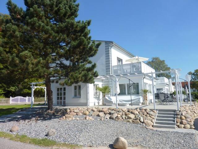 Ferienwohnung in der Villa Paradies