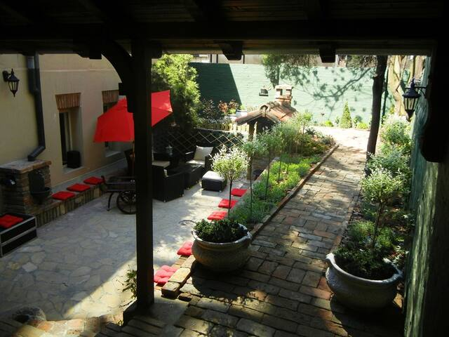 Room in the awarded Hedonist Hostel - Beograd - Дом