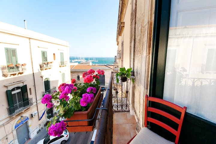 the best Sicilian holidays.Siracusa - Syracuse - Flat