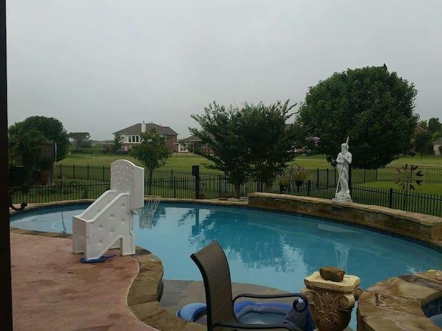 Pure enjoyment Pool, bar, hot tub.  - Pflugerville - Dům