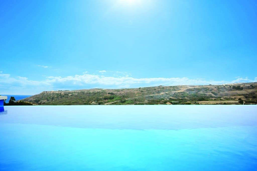 ...enjoy the fantastic view from the edge pool...