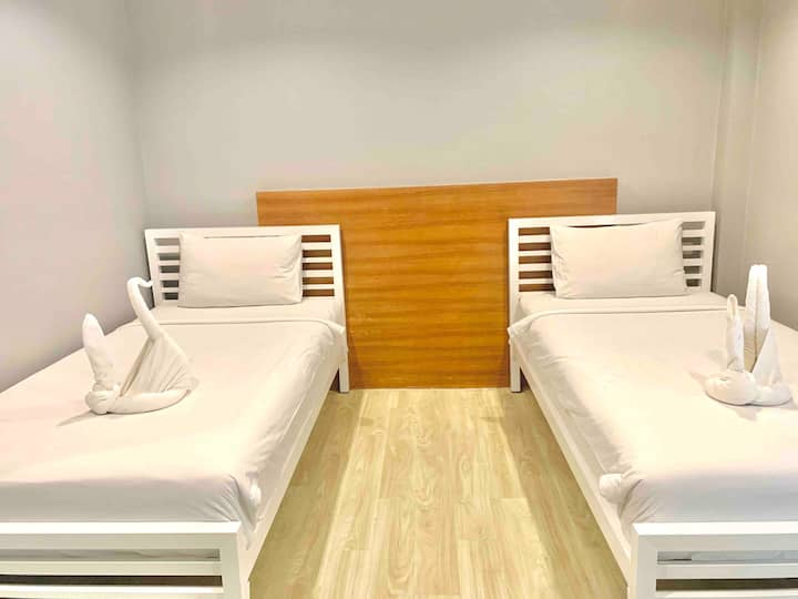 Private room Located heart of Chaweng beach rd