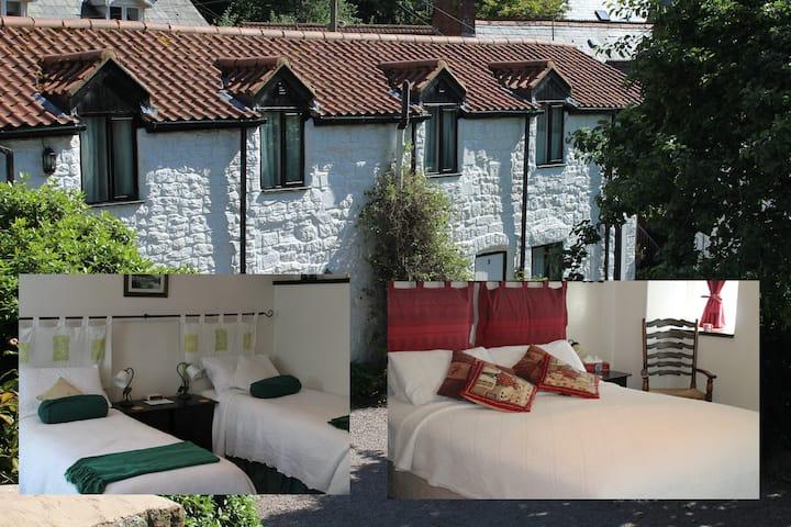 Guest Suite, Brewery Yard (2 bed/2 bath): Sleeps 4