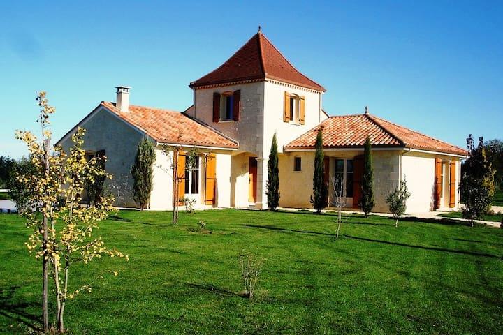 Maison Larnolia heerlijke sfeervolle vakantievilla - Saint-Médard-d'Excideuil - Vila