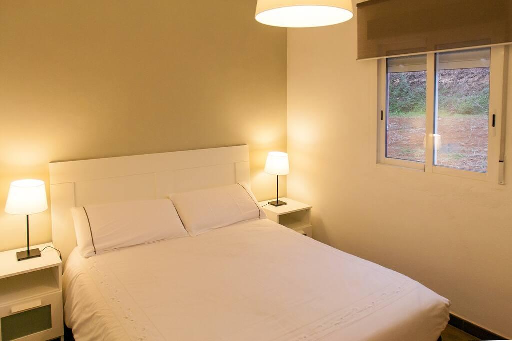 Habitación 1: Elegante, cómoda y con luz natural