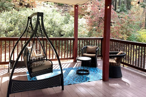 Huge Covered Deck with Autumn Colors and El Portal Mountains View