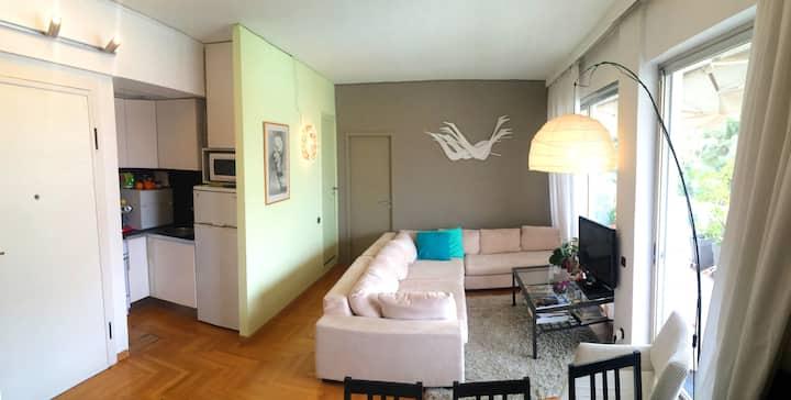 Sunny 1 bedroom flat +large balcony