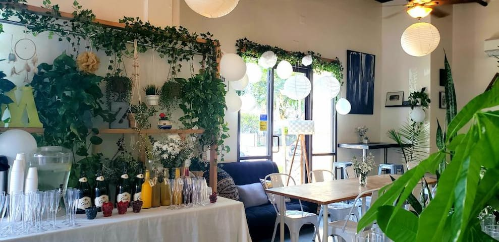 Instagram Worthy Cafe for Rent