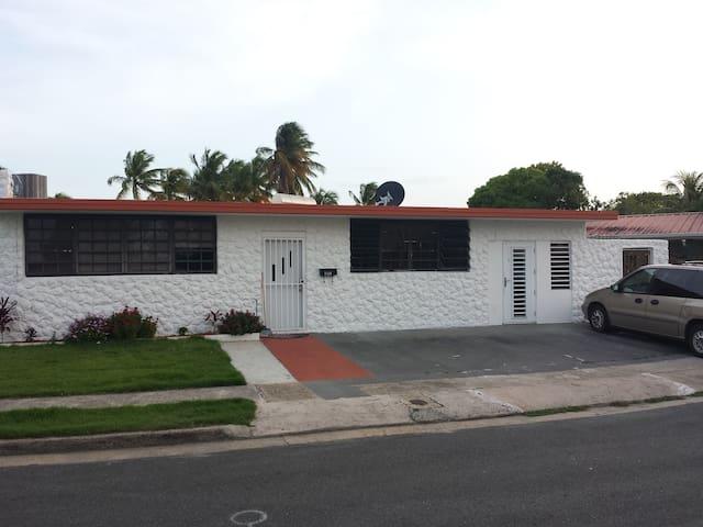 Small Studio Safe-Quiet neighborhood near airport