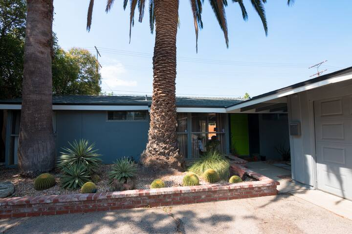 Nice mid-century home in North Los Angeles. - Los Angeles - House