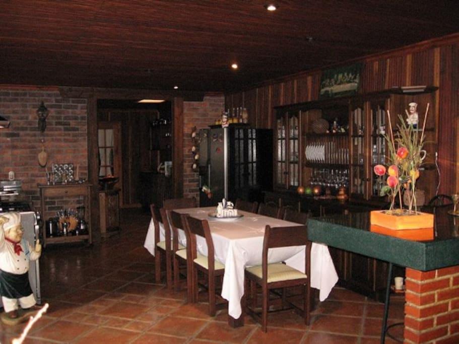 Comedor. Dinning room.