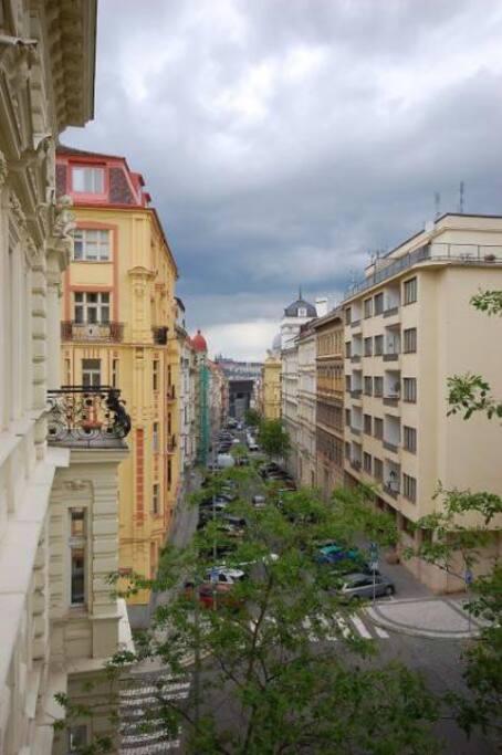 The Street Mánesova