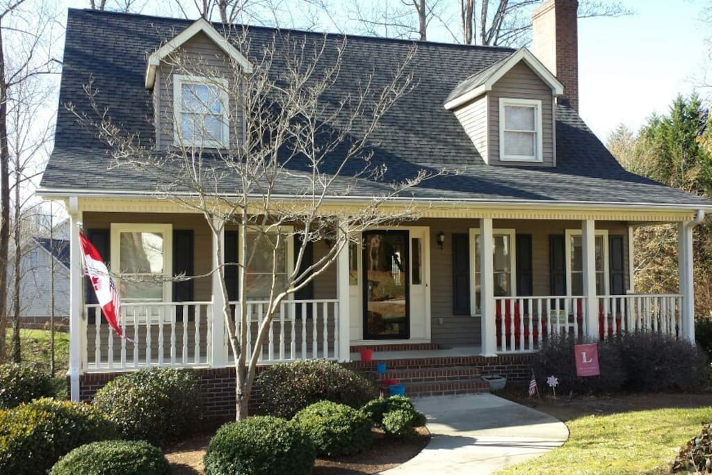 Charming Colonial 4bd In Greenville Houses For Rent In Taylors South Carolina United States