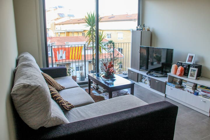 Single room in Terrassa center - Terrassa - Appartement