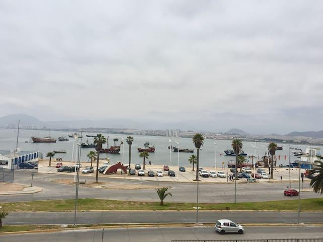 Departamento con vista a la bahía de Coquimbo.