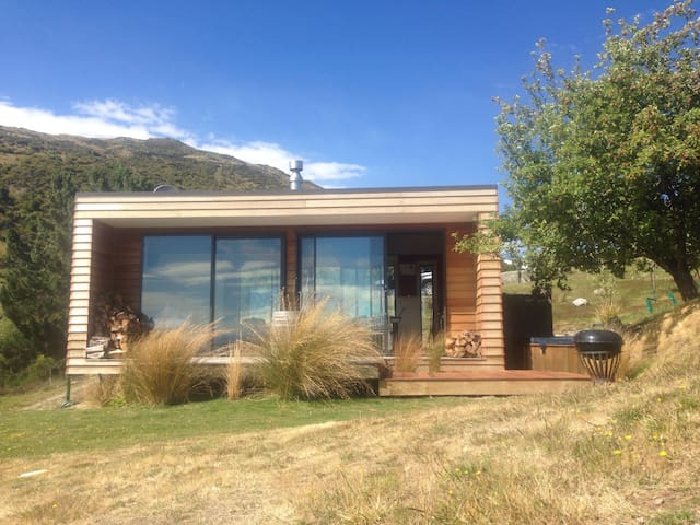 Modern studio Cardrona valley