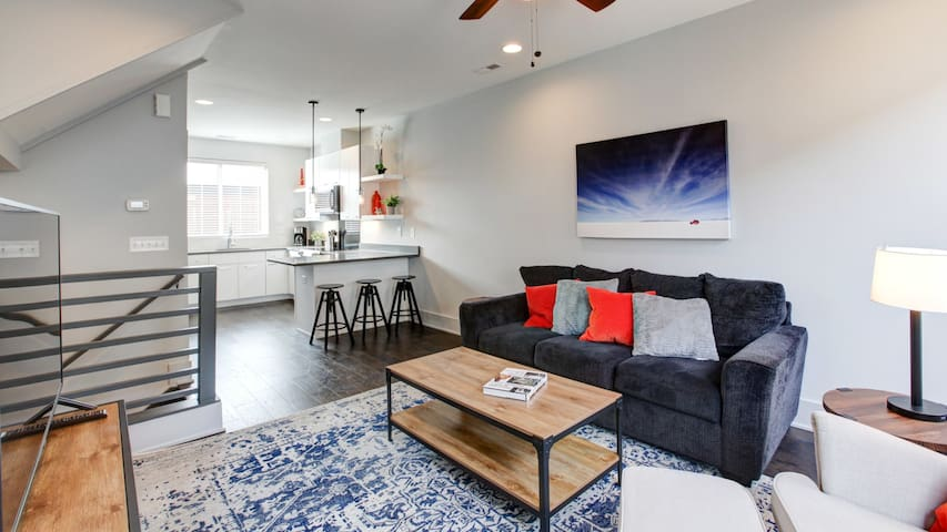 Brand New, Industrial Chic Townhome in Southend!