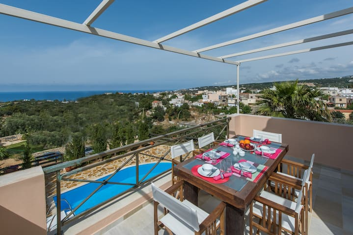 Brand new villa! 1km to the beach! - Gerani - Casa de camp