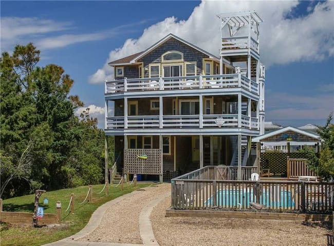 Hatteras Time OCEANVIEW in Waves w/Pool&HotTub, RecRoom, Pets