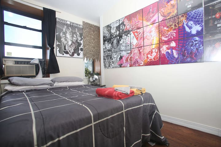 Brooklyn sleepytime art studio