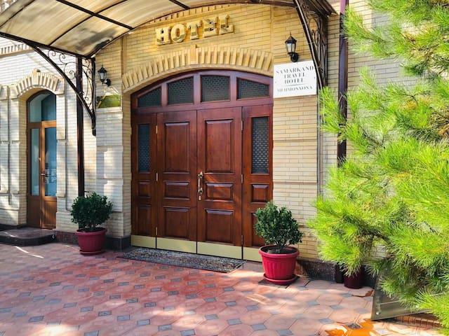 Samarkand Travel Hotel