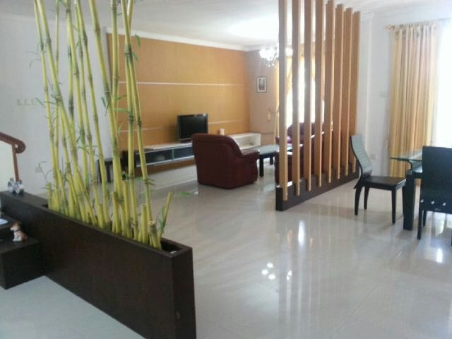 Relax at Sophisticated Villa Panbil - Batam - House