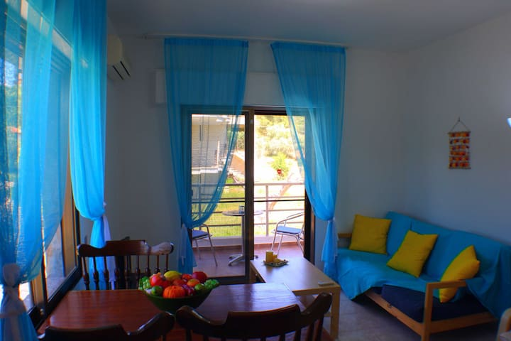 One Bedroom Apartment 50m from the beach - Salonikiou - Apartment